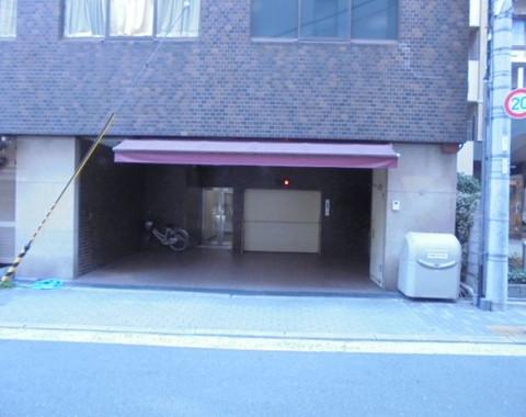 梅田芸術劇場 駐車場
